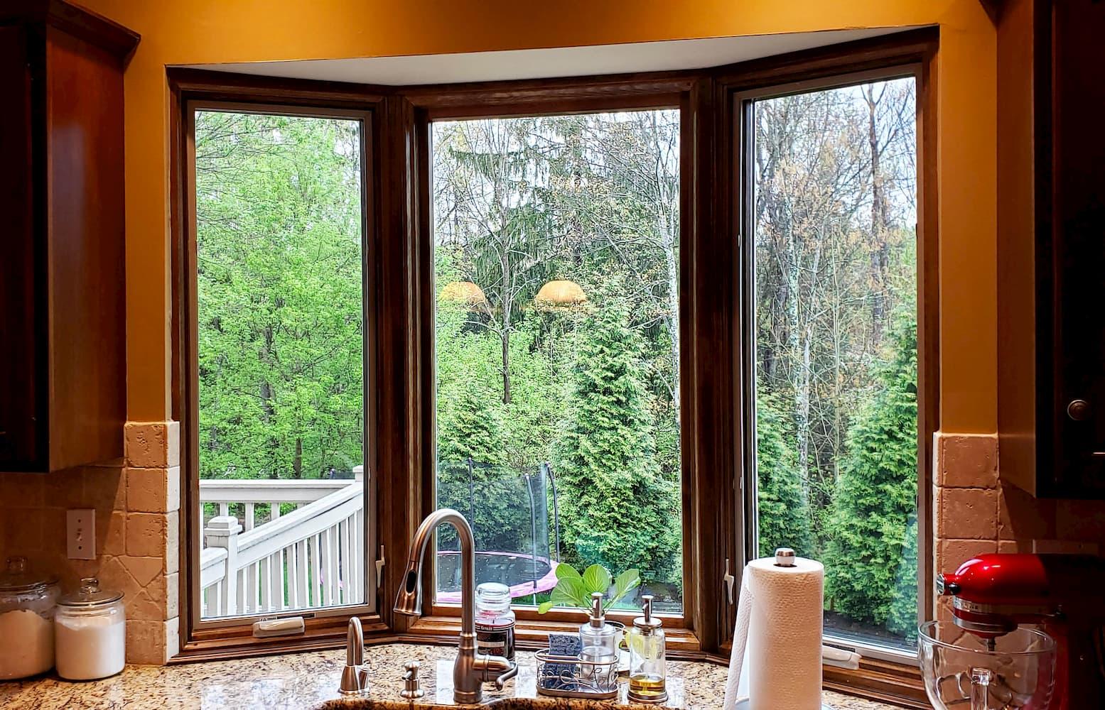 bay-window-interior